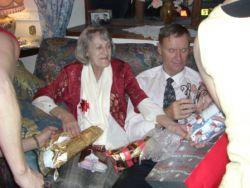 b_250_250_16777215_00_images_Betty_and_Lens_photos_katies_Christmas_2008_1.jpg